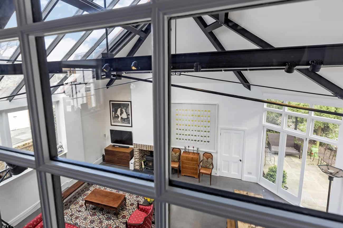 Stamford-Brook-House-Slide-1300w-868h-5