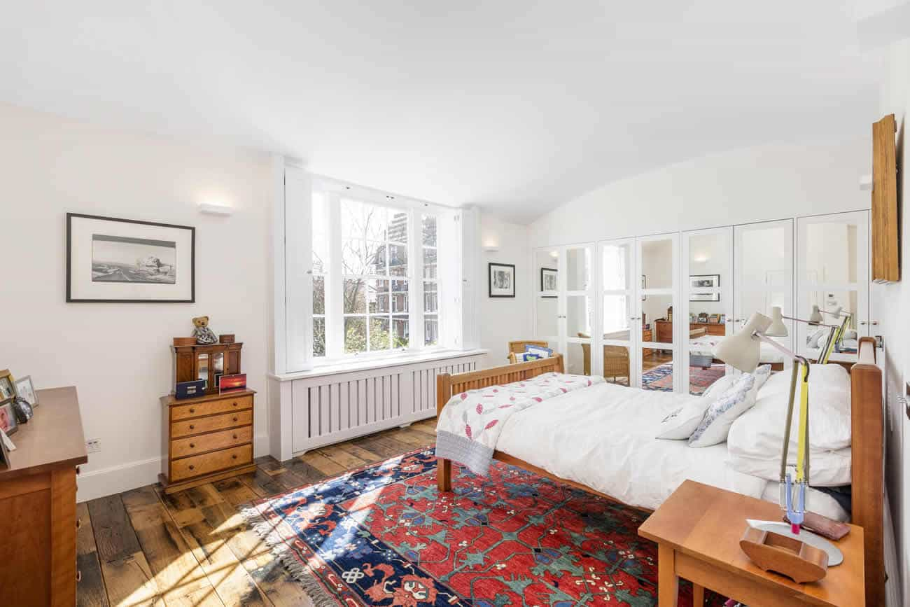 Stamford-Brook-House-Slide-1300w-868h-7
